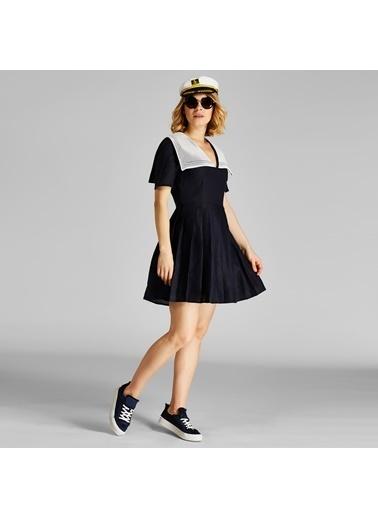 Vekem-Limited Edition V Yaka Pileli Marin Elbise Lacivert